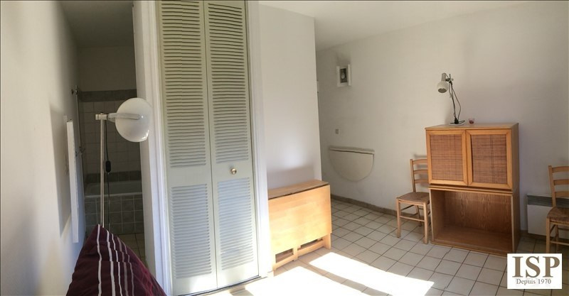 Location appartement Aix en provence 384€ CC - Photo 4