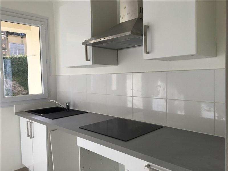 Rental apartment Aix en provence 875€ CC - Picture 1