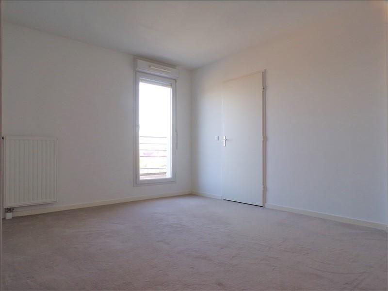Rental apartment Montigny le bretonneux 922€ CC - Picture 6