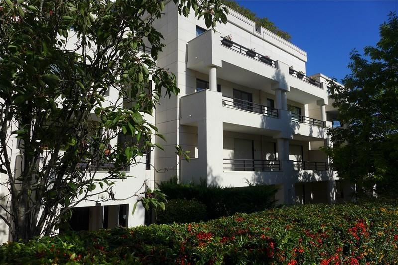 Sale apartment Garches 400000€ - Picture 1
