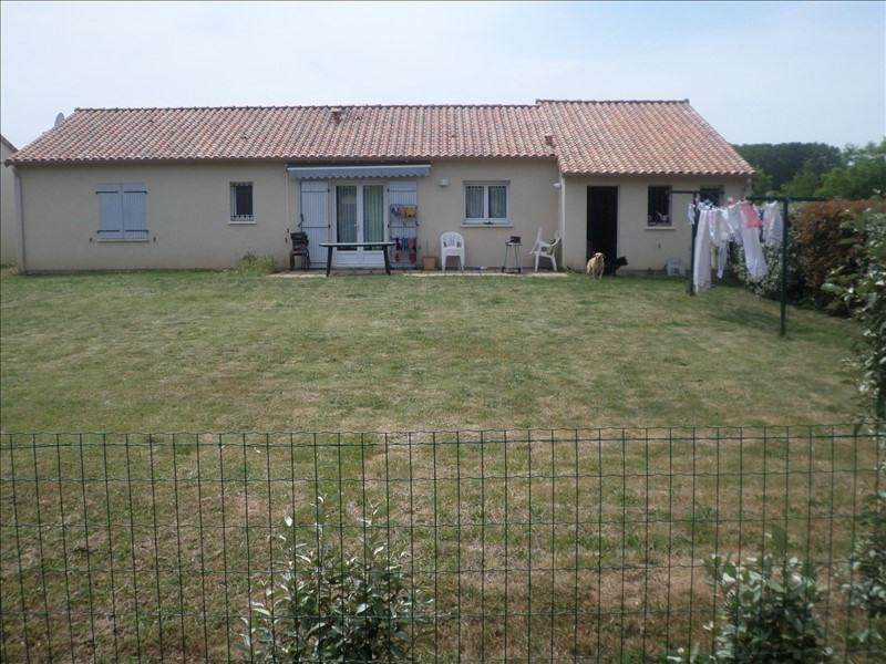 Location maison / villa Bonnes 670€ +CH - Photo 4