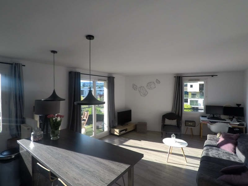 Sale apartment Courbevoie 384 000€ - Picture 2