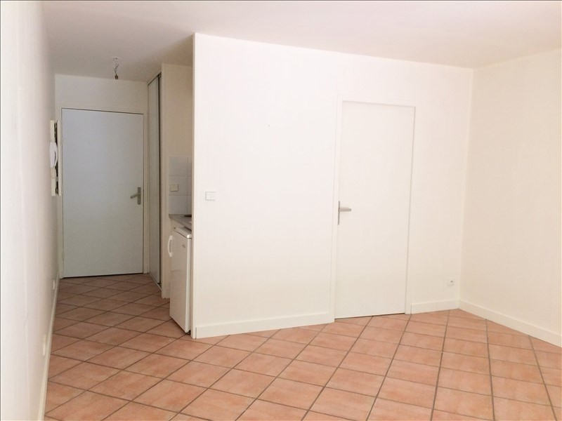 Location appartement La rochelle 419€ CC - Photo 2