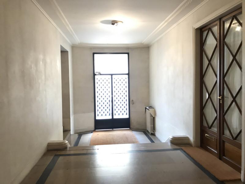 Location appartement Paris 16ème 2700€ CC - Photo 9