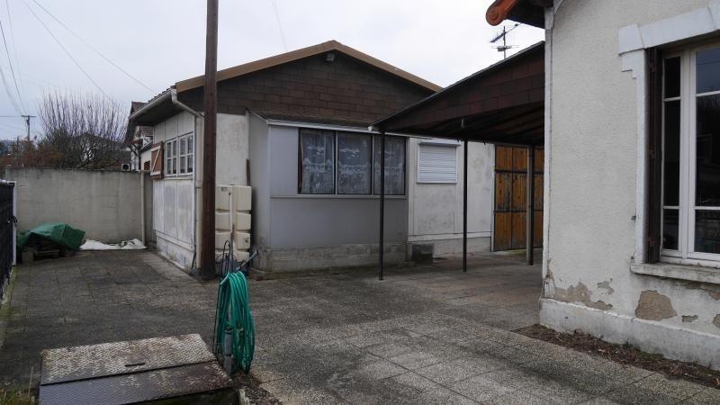 Sale house / villa Neuilly plaisance 265000€ - Picture 2