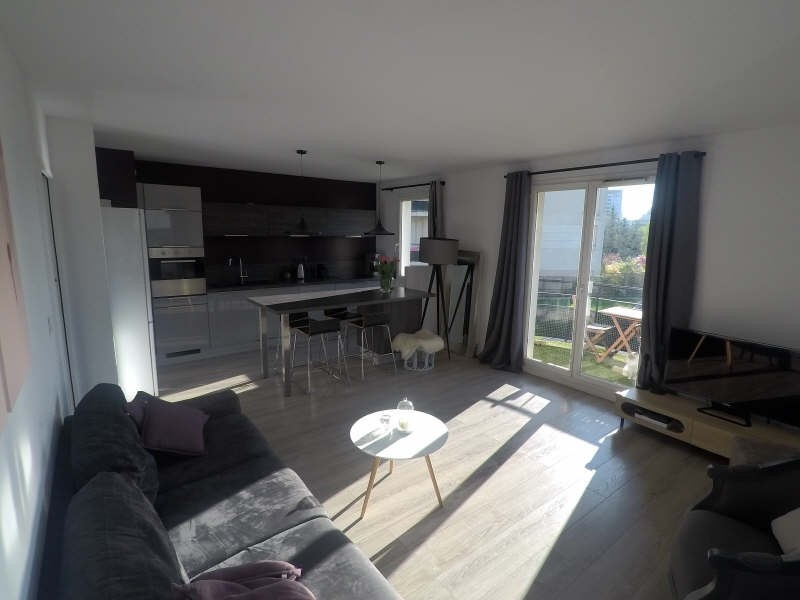 Sale apartment Courbevoie 384 000€ - Picture 1