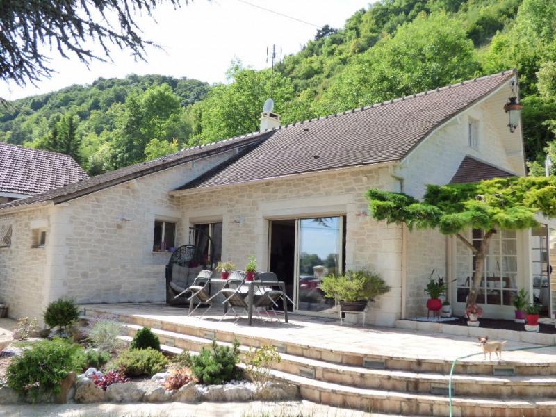 Sale house / villa Les andelys 299000€ - Picture 1