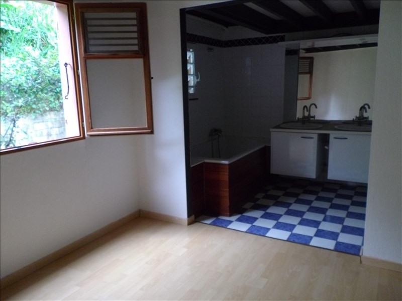 Sale house / villa St claude 300000€ - Picture 6