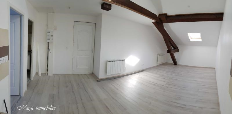 Rental apartment Oyonnax 365€ CC - Picture 2