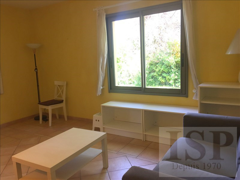 Location maison / villa Aix en provence 780€ CC - Photo 8