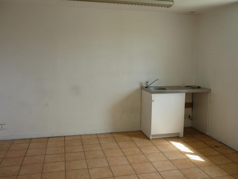 Location local commercial Lisieux 2 340€ CC - Photo 4