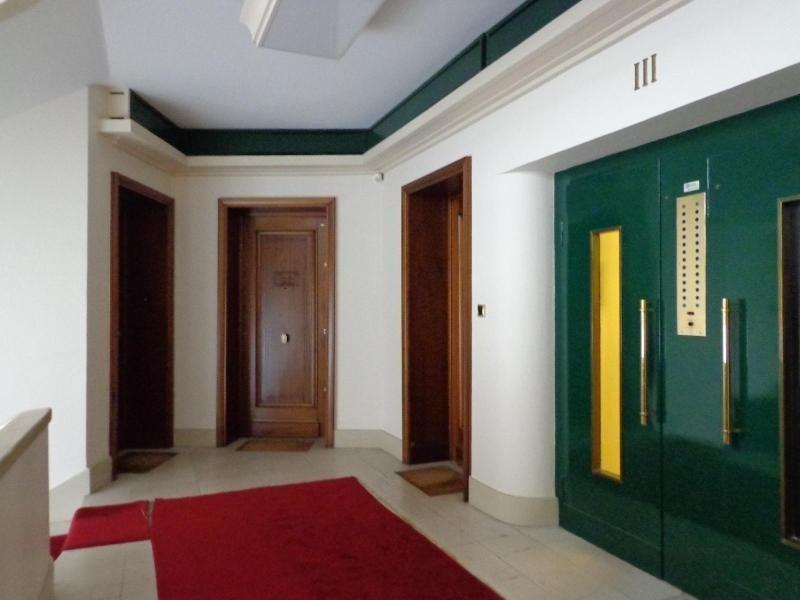 Location appartement Lyon 2ème 816€ CC - Photo 9