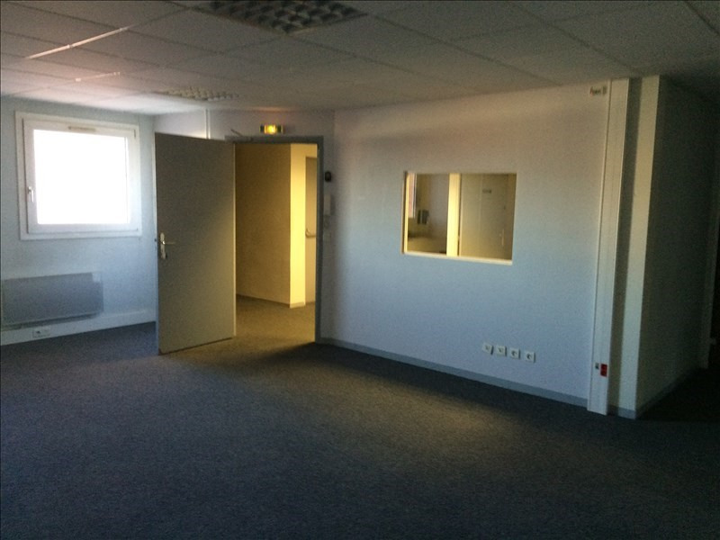 Location bureau Bourgoin jallieu 1 473€ CC - Photo 3