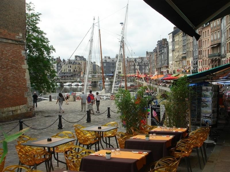 Commercial lease transfer shop Honfleur 81 800€ - Picture 1