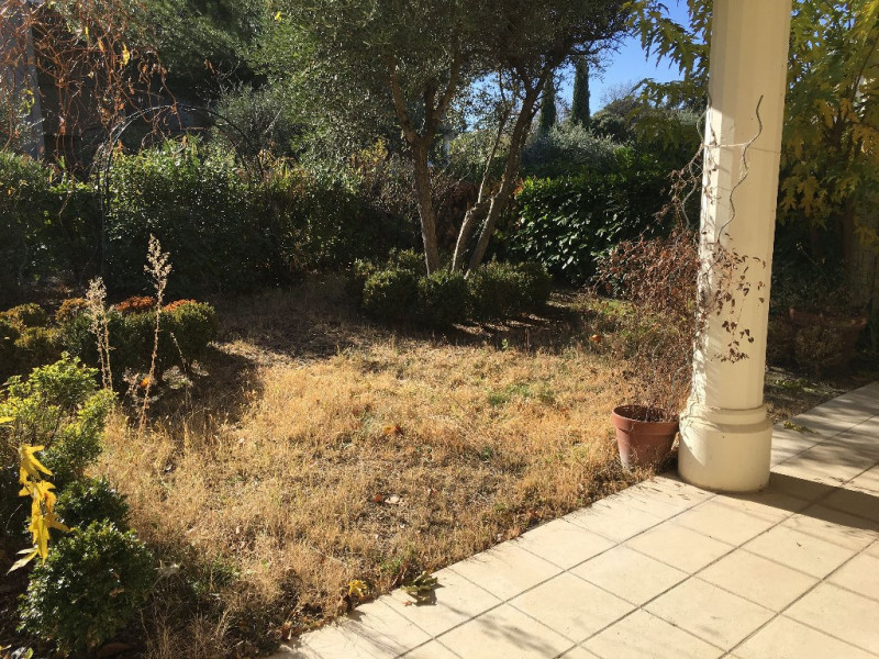 Sale apartment Villeneuve les avignon 305 000€ - Picture 2