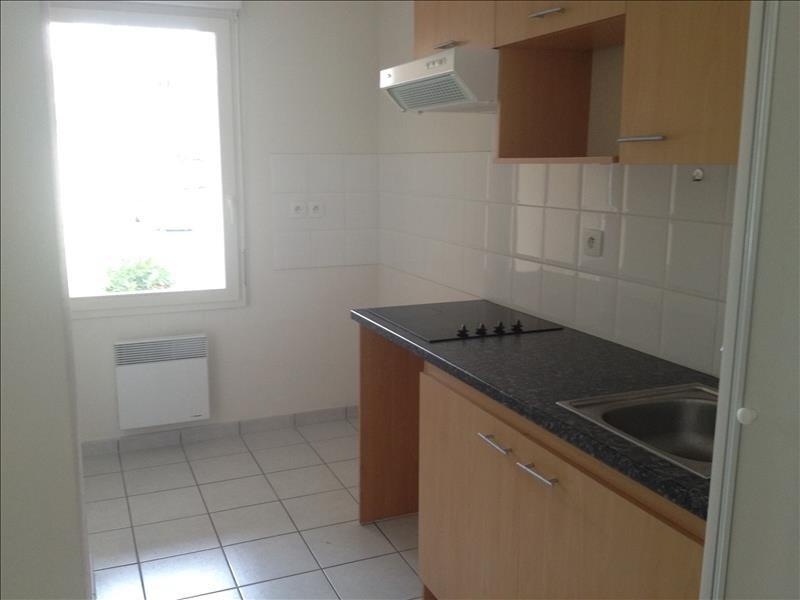 Rental apartment Vendome 550€ CC - Picture 2