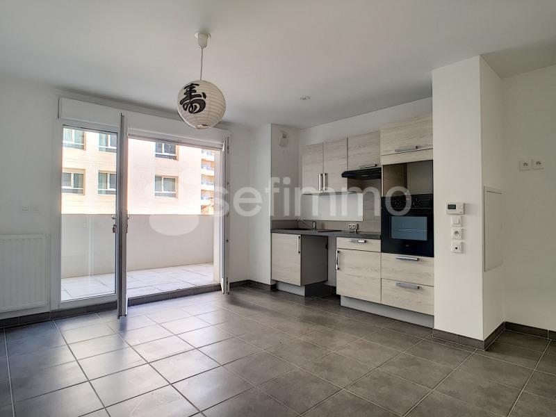 Rental apartment Marseille 5ème 750€ CC - Picture 2