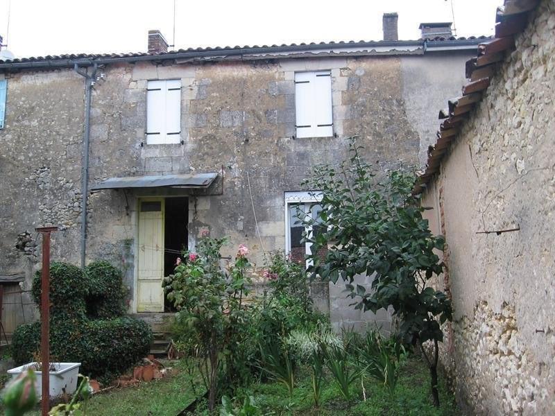 Sale house / villa Montlieu la garde 79000€ - Picture 1