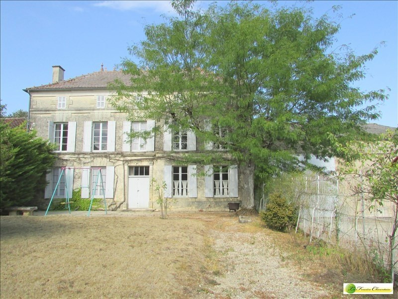 Sale house / villa Beauvais sur matha 220000€ - Picture 1