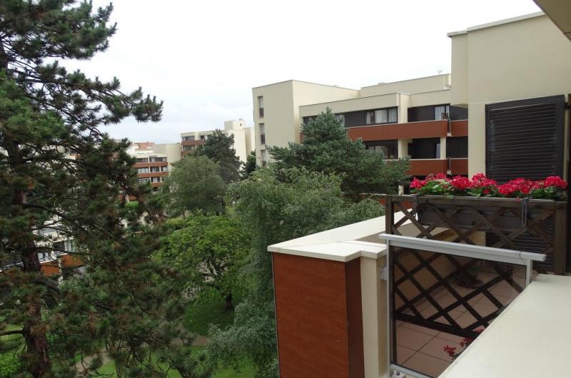 Sale apartment Le plessis bouchard 228000€ - Picture 2