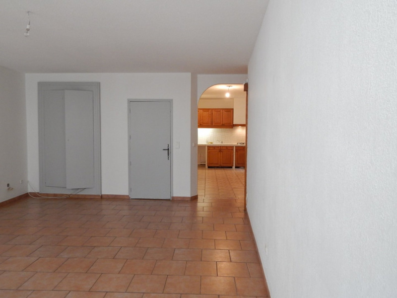 Location appartement Salernes 600€ CC - Photo 1