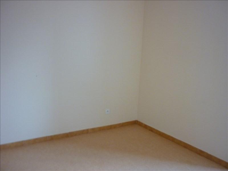 Rental apartment Retiers 400€ CC - Picture 3