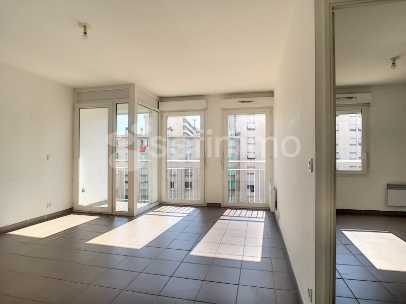 Location appartement Marseille 5ème 681€ CC - Photo 4