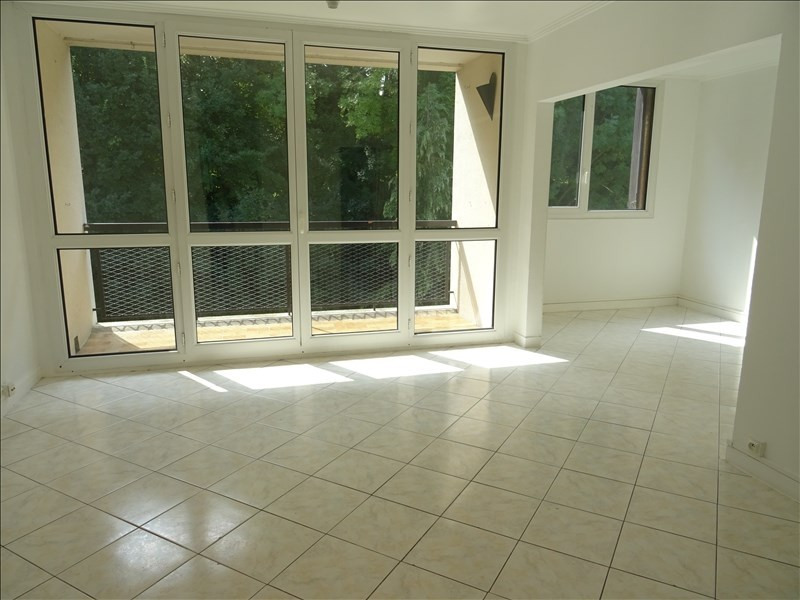 Location appartement Marly le roi 1 246€ CC - Photo 1