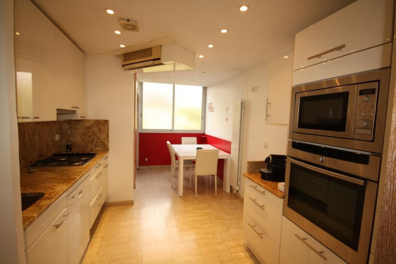 Sale apartment Antibes 890000€ - Picture 3