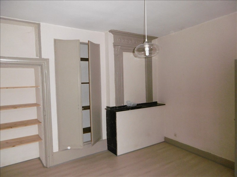 Location appartement Figeac 330€ CC - Photo 2