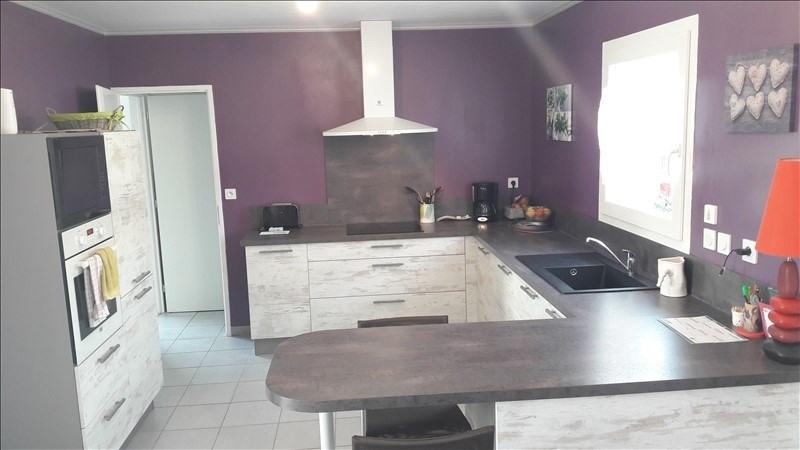 Sale house / villa Renaison 190000€ - Picture 4