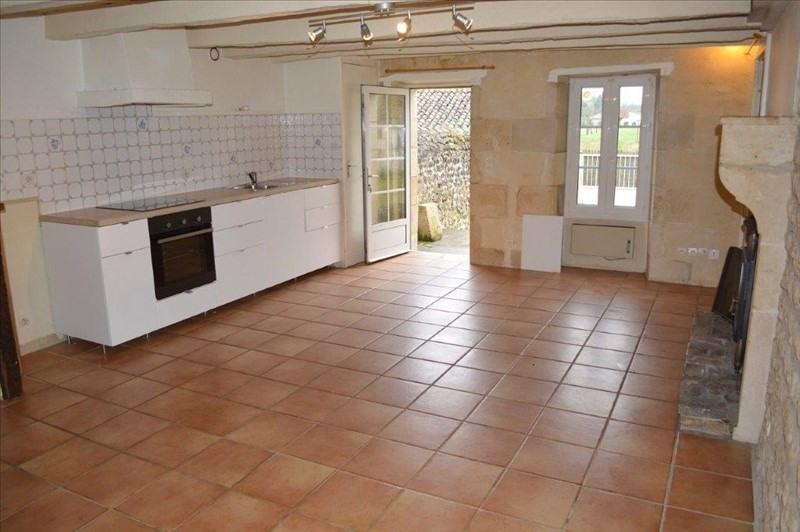 Sale building Smarves 164400€ - Picture 3