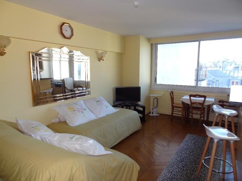 Location appartement Paris 8ème 1500€ CC - Photo 1