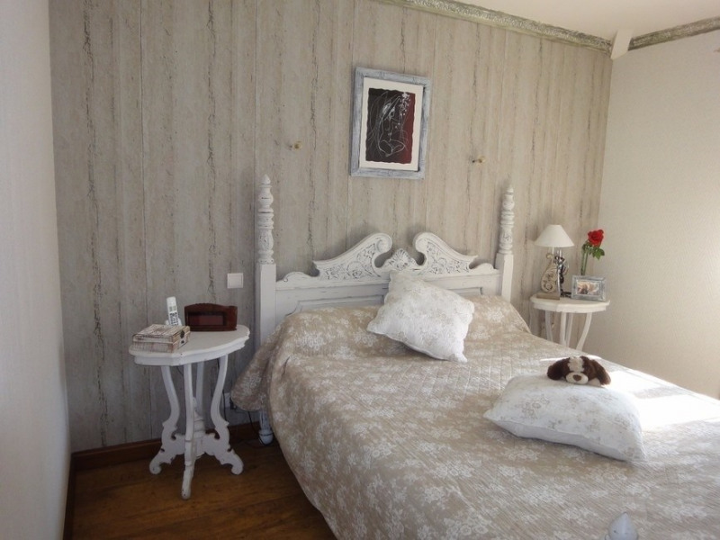 Sale house / villa Chaillevette 389750€ - Picture 8