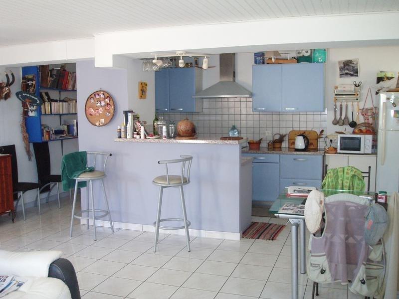 Sale apartment St pierre 153700€ - Picture 3