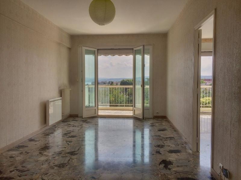 Vente appartement Saint laurent du var 240000€ - Photo 1