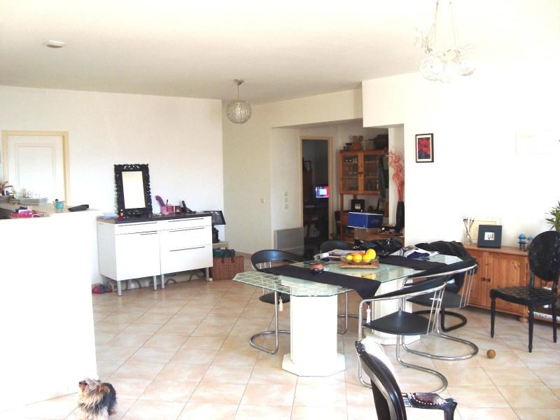 Location appartement Trets 940€ CC - Photo 1