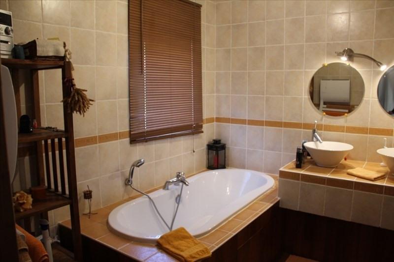 Sale house / villa Bourgoin jallieu 370000€ - Picture 7