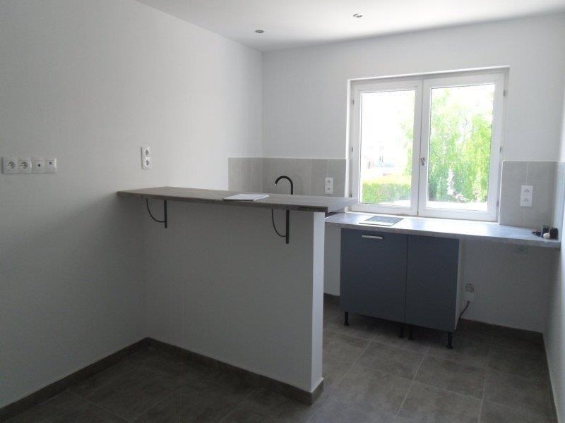 Rental apartment Saint andre les vergers 450€ CC - Picture 5