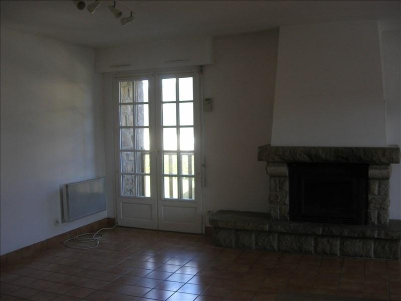 Location maison / villa St carreuc 450€ CC - Photo 4