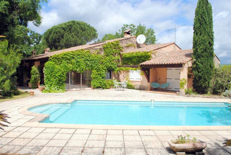 Vente maison / villa Bagnols-en-forêt 525000€ - Photo 1