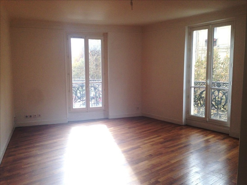 Rental apartment Paris 18ème 2 303€ CC - Picture 1