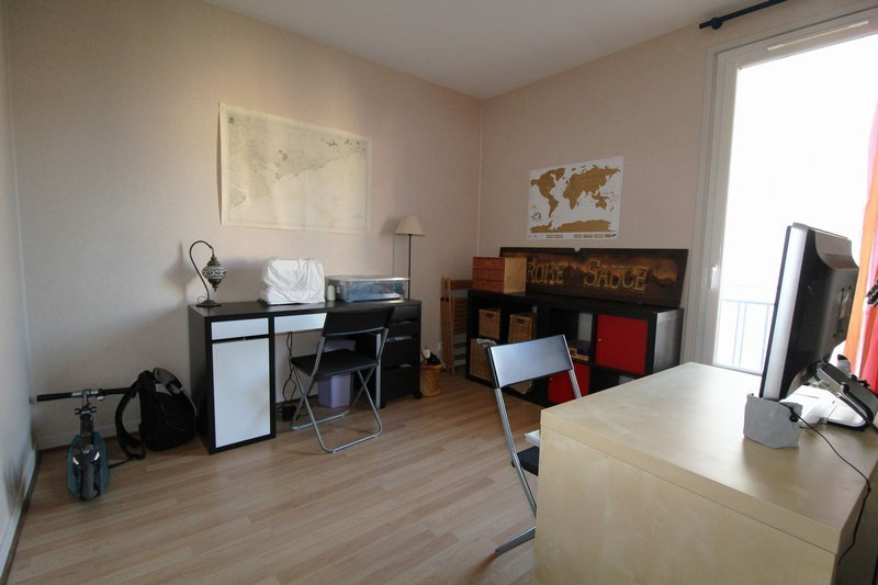 Sale apartment Maurepas 223 500€ - Picture 4