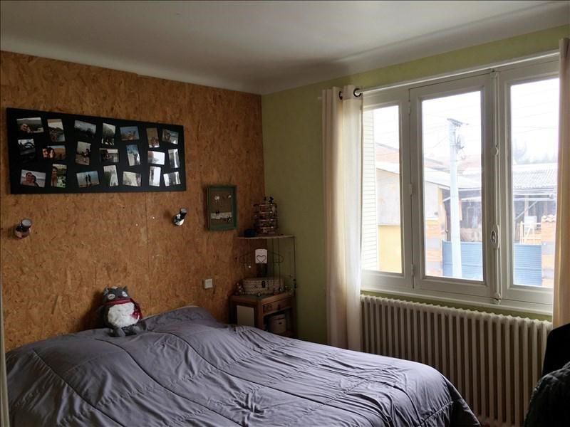Sale house / villa Riorges 129000€ - Picture 7