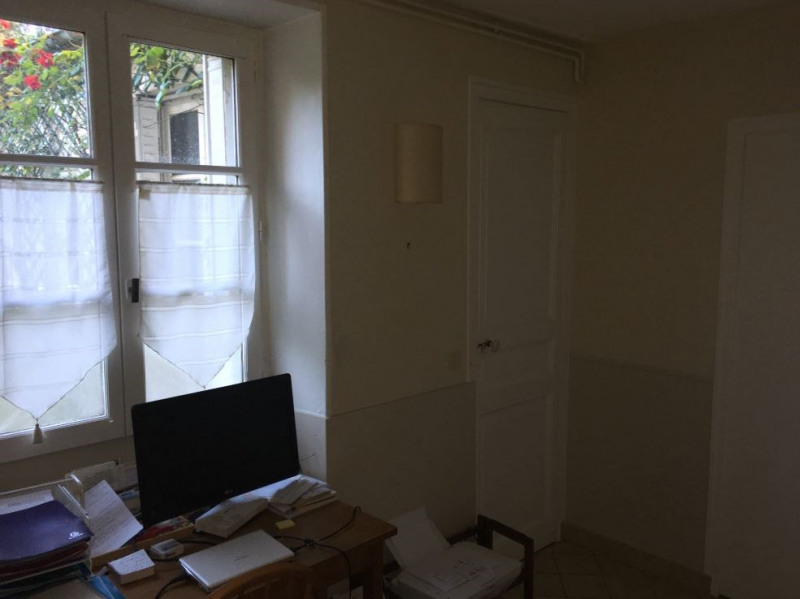 Location appartement Versailles 855€ CC - Photo 3