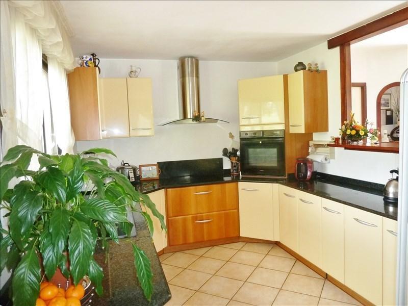 Sale house / villa Bourgoin-jallieu 230000€ - Picture 3