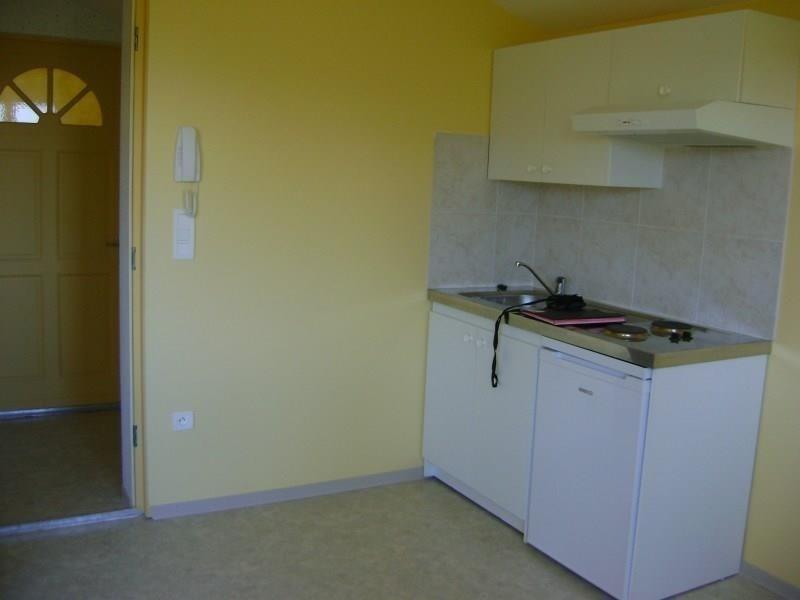 Location appartement Sebazac concoures 358€ CC - Photo 2