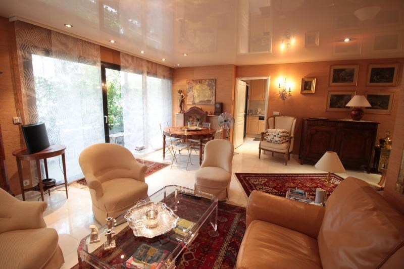 Sale apartment Annecy 680 000€ - Picture 2