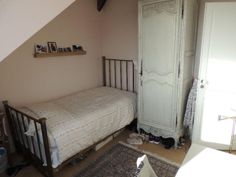 Sale house / villa Le pecq 685000€ - Picture 8