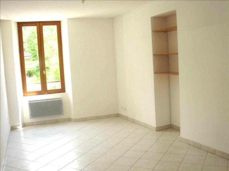 Location appartement 73110 511€ CC - Photo 1